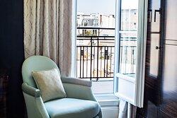 Art Deco Deluxe Guest Room with Balcony
