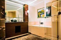 Makassar Suite - Bathroom