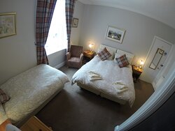 Room 3/Family/Double & Single/en suite