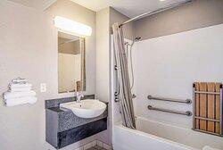 Motel Elko NV bathroom