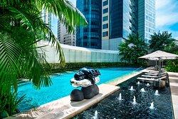 The St. Regis Singapore Tropical Pool
