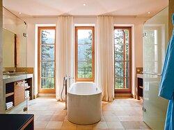 Summit Suite Bathroom