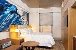 Metropolitan Guest Room