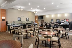 Along with breakfast, we offer evening social three nights a week.