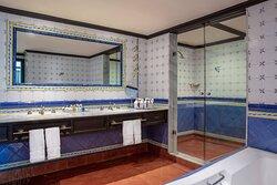 Hacienda Penthouse Guest Bathroom