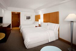 Executive Park Family Guest Room