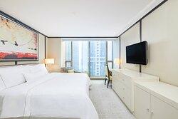 Renewal King Suite - Living Room