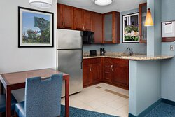 One-Bedroom Suite - Kitchenette