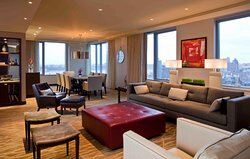Manhattan Suite Living Space