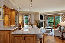 Astor Suite - Kitchen
