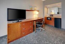 Suite - Work Desk & Kitchenette
