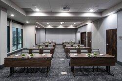Colonial Meeting Room - Classroom Setup