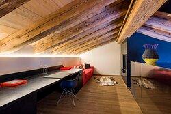 WOW Suite - Mezzanine