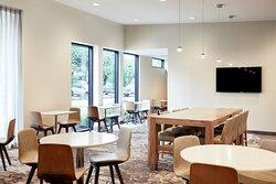 Residence Inn Kitchen - Seating Area