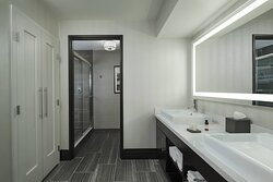 One-Bedroom King Suite - Bathroom