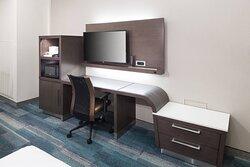 Queen/Queen Guest Room - Work Desk