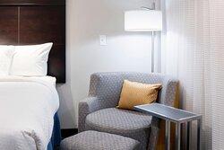 Queen/Queen Guest Room - Sofa