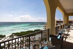 Club Lounge - Palm Beach Terrace