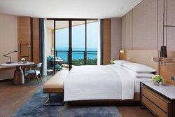 King Deluxe Ocean View Guest Room - Bedroom
