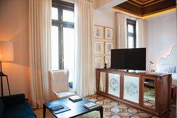 Otoman Suite Living Area