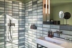 Premium Comfort Guest Bathroom