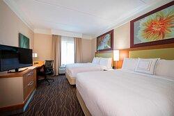 Queen/Queen Suite- Sleeping Area