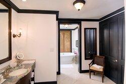 Four-Bedroom - Guest Bathroom
