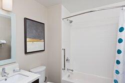 Queen/Queen Studio Suite - Bathroom