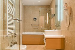 Bathroom Deluxe Room