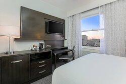 Queen Guest Room High Floor City View