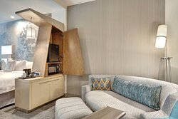 Extended Queen/Queen Guest Room - Living Area
