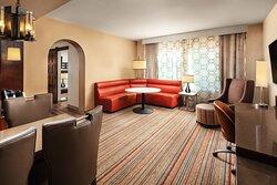 One-Bedroom Corner King Suite