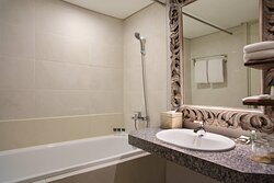 Leisure Suite Bathroom