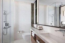 Deluxe Guest Bathroom