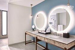 Accessible Corner Suite - Bathroom