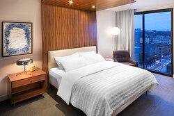 Deluxe View King Guestroom