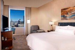 Corner King Deluxe City View Guest Room
