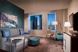 Dallas King Suite - Living Room