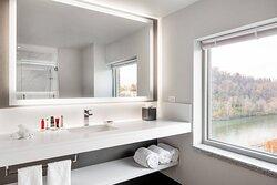 Corner King Guest Bathroom