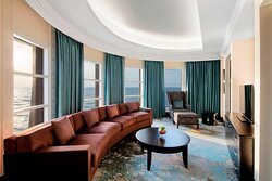 Club Tower Suite - Living Room