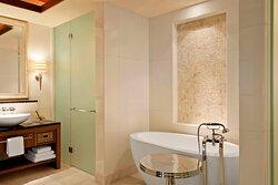 St. Regis Suite Bathroom - Tub & Shower