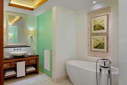 St Regis Suite Bathroom - Tub & Shower