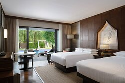 Double/Double Premium Guest Room - Pool Access