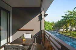 Premium Pool View – Balcony