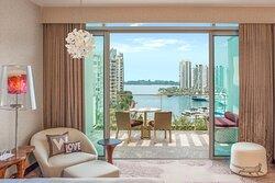 Fabulous Guest Room - Balcony