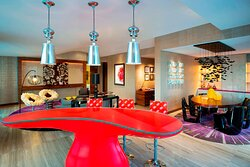 WOW Suite - Dining Room