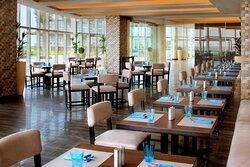 Aqua Poolside Grill & Bar - Restaurant