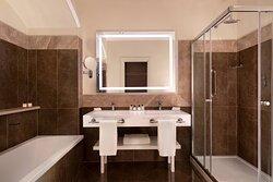 Royal Suite - Bathroom