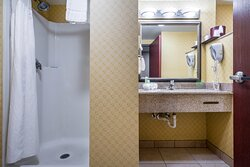 Holiday Inn Express & Suites Roanoke Rapids King Room Accessible