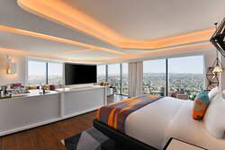 King W Suite